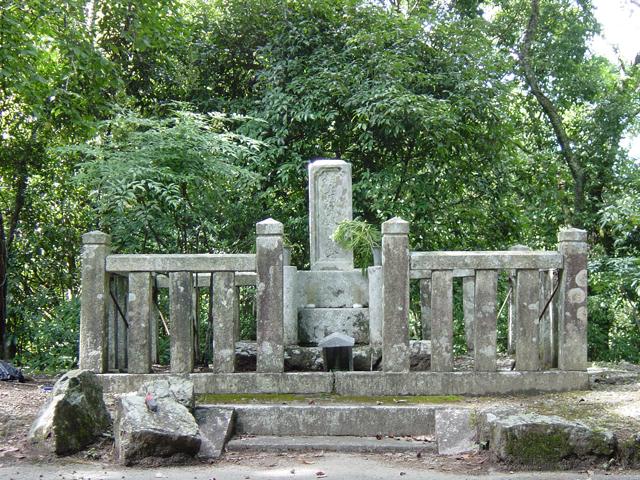 村上義隆の墓(むらかみよしたかのはか)